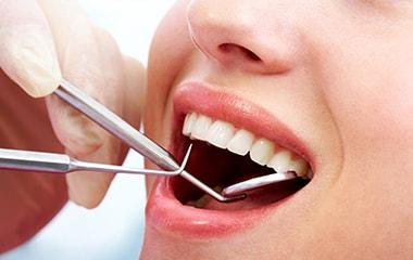 お口の様々なトラブルは口腔外科で